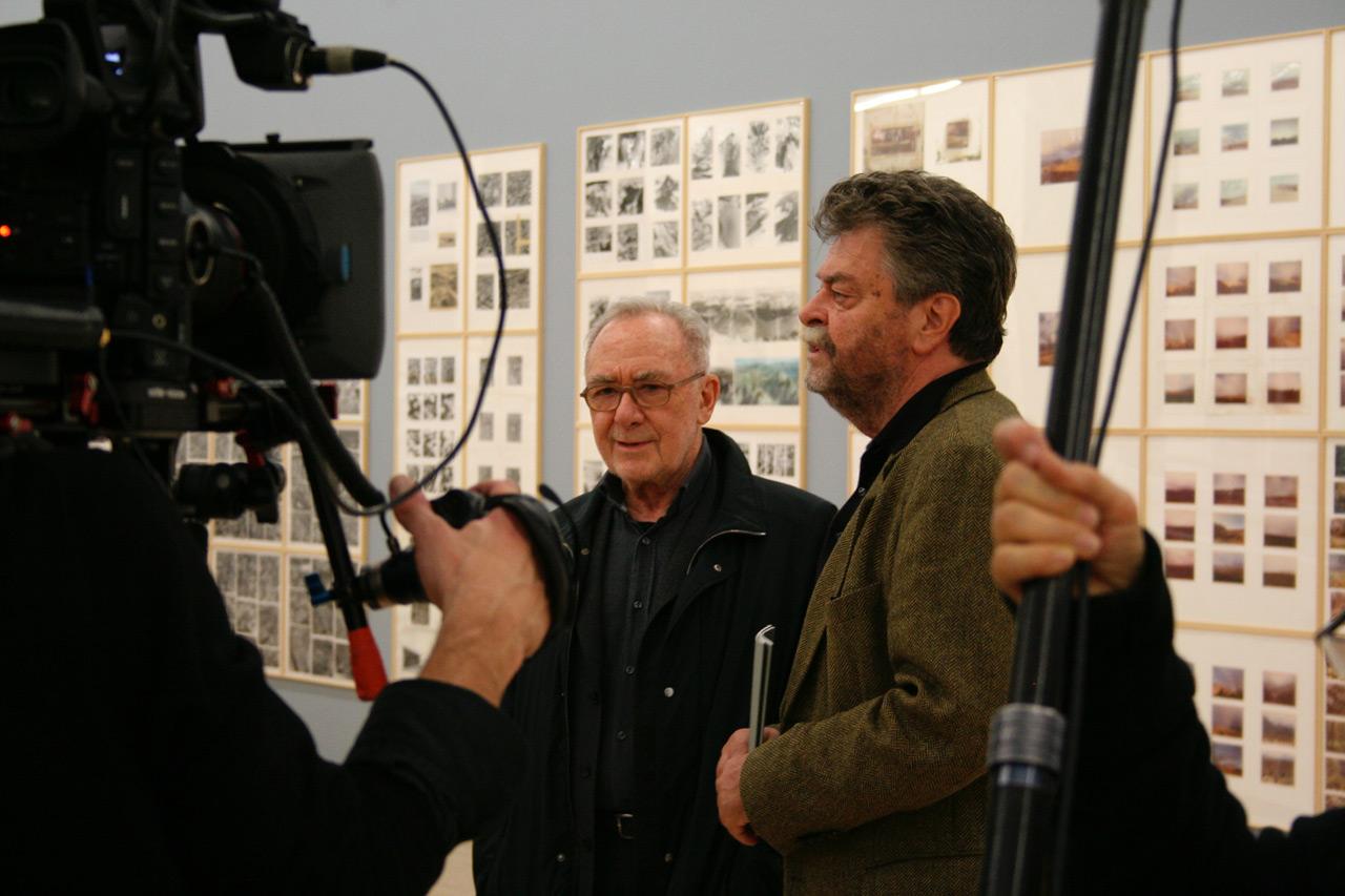 Gerhard Richter und Helmut Friedel in der Richter-Ausstellung im Kunstbau des Lenbachhauses, 2013