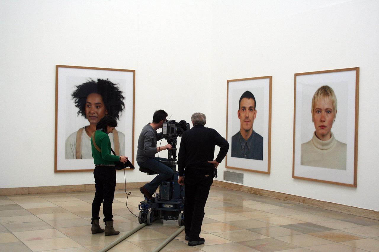 Filmreh in der Ausstellung von Thomas Ruff, Haus der Kunst, 2012